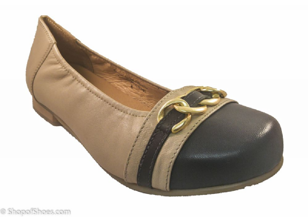 PICCADILLY ladies nude and navy summer shoe.